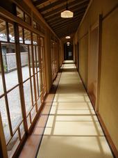 廊下もたくさん
