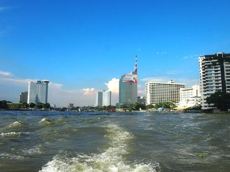 チャオプラヤ川とオリエンタルホテル