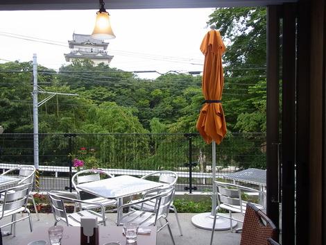 小田原城ママ正面のカフェ
