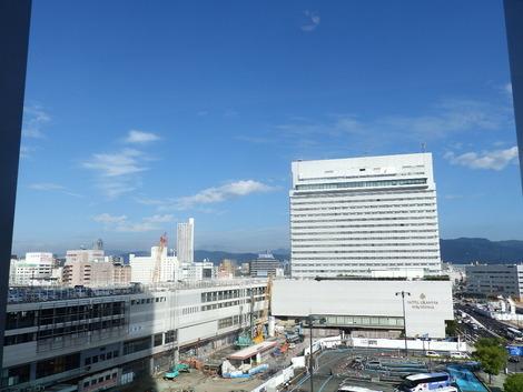 朝の広島駅