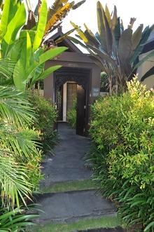 ガーデンヴィラ入口