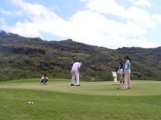 家族でゴルフ