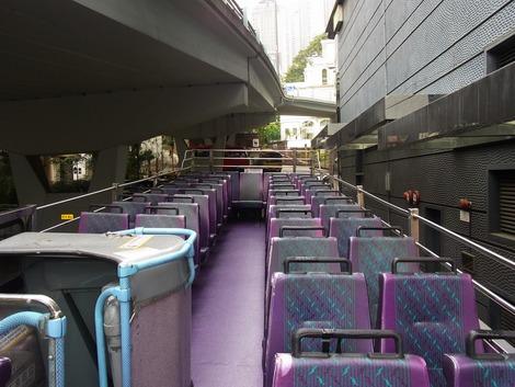 オープントップバス2階席
