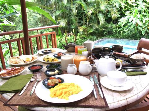 サヤンの朝食 お部屋で