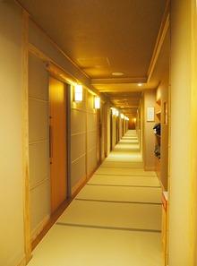 廊下も畳敷き