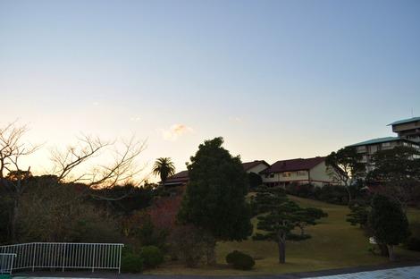 お庭〜見る旧館