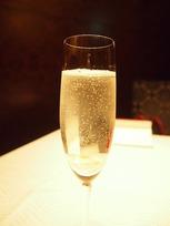 シャンパンで