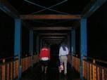 サヤンに入る吊り橋