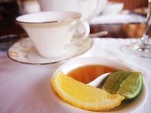 煎茶にはレモンとはちみつが