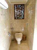オープンなトイレ