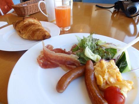 主人の朝食
