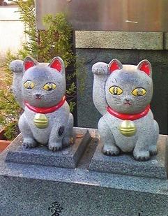 縁起の良い今戸神社の招き猫