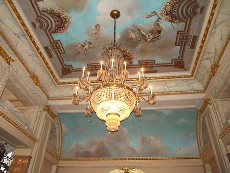 ロビーの天井画