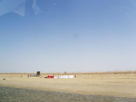 砂漠を走ります