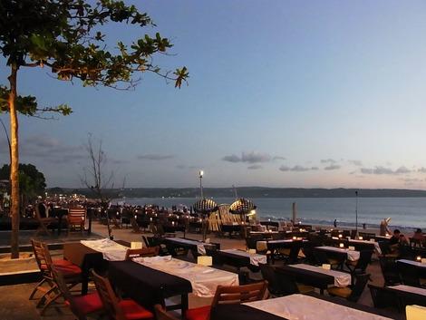 ジンバラン 海岸