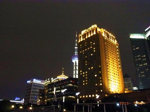 2 夜のシャングリラホテル リバーウイング