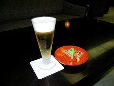 湯上りりラウンジで ビール(無料)