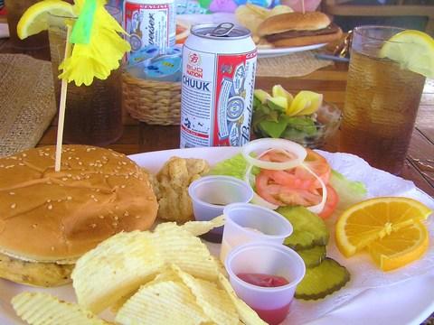 ランチはハンバーガー