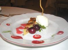 2、 デザート チェリーのタルト