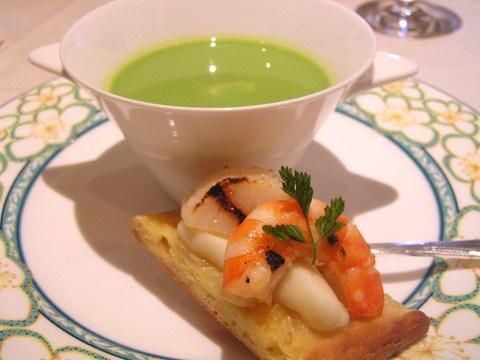 海老とほたて 青豆のスープ