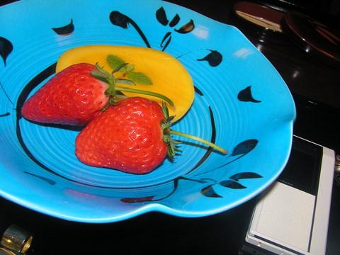 果物 上賀茂産苺、 マンゴー