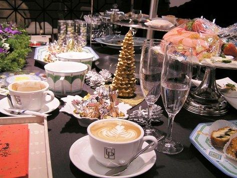 原宿の宝石店 クリスマスのテーブル