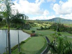 外の眺めはゴルフ場ビュー