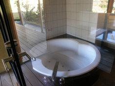 室内のお風呂はジャグジー