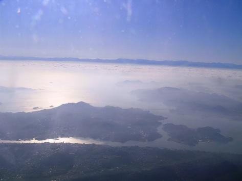 広島へ向かう機内から