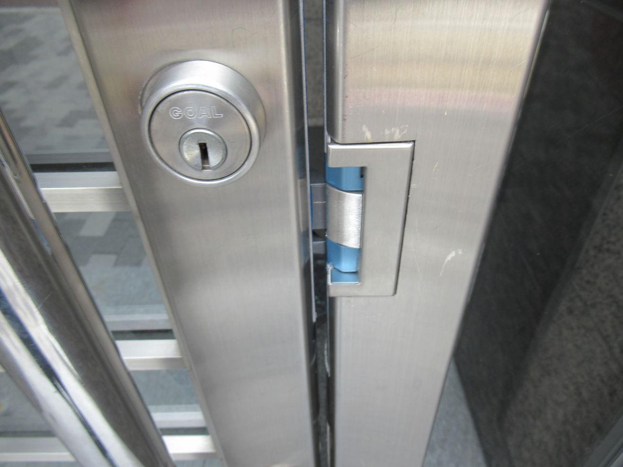 1F出入口鍵交換2