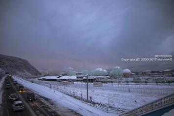雪の日の幌萌歩道橋からの眺め