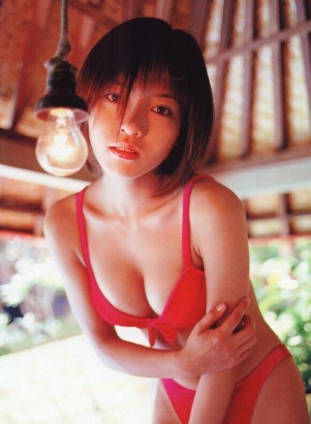 釈由美子(28)