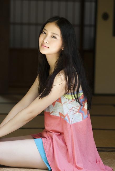 武井咲(74)