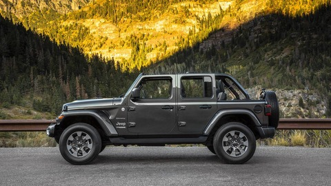 2019-jeep-wrangler-moab-edition-spotted-on-transporter_29