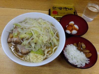 小(麺少なめ)+デスうずら+玉ねぎ+づけにんにく+韓国海苔