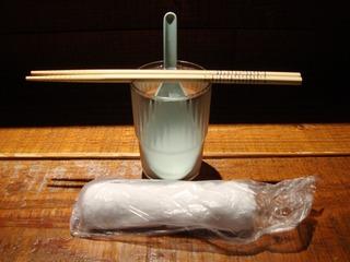箸・レンゲ・コップ・おしぼり
