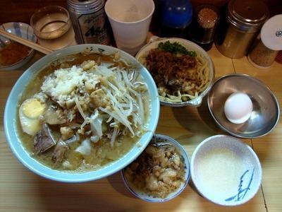 ラーメン麺少なめ(白半分)