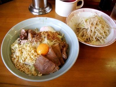 ぶっかけ+温泉玉子+野菜