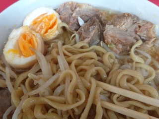 煮玉子・ブタ・麺