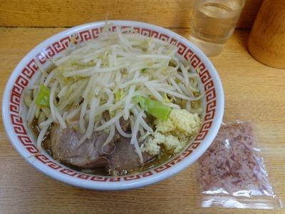 小(麺少なめ)+かつおぶし