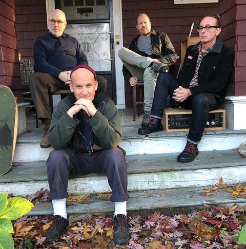 伝説のハードコアバンド、マイナー・スレットのメンバー4人が再集結 EP『Salad Days』の再現写真を公開