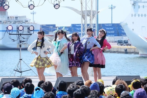 http://natalie.mu/media/1704/0404/extra/news_header_takoyakirainbow_live040203.jpg