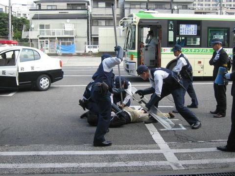 バスジャックを想定した訓練を実施ー大阪市交通局