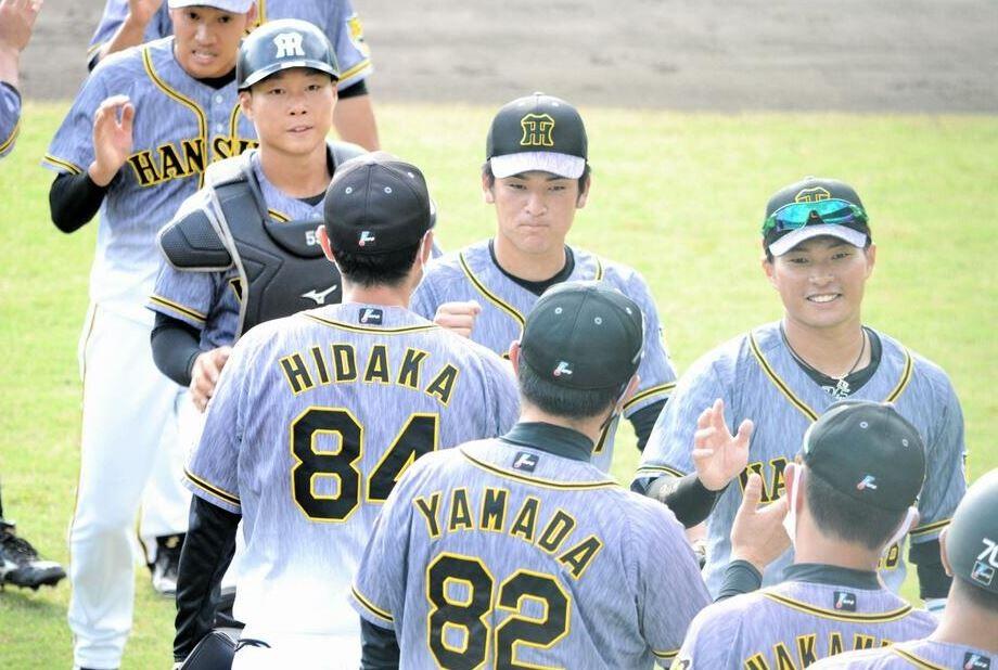 【阪神】高卒新人の高寺が実戦復帰即タイムリー 先制2点三塁打