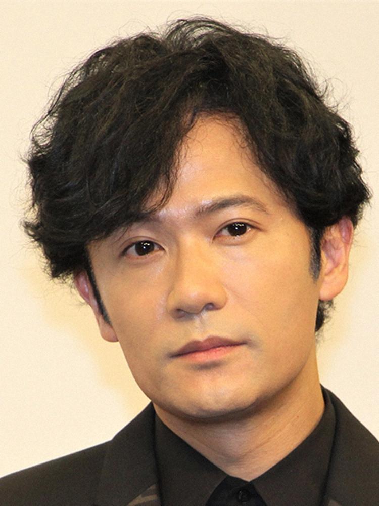 【画像】稲垣吾郎のROLANDモノマネ「ゴローランド」に絶賛の声「本物かと」「座り姿が完璧」「違和感ない」