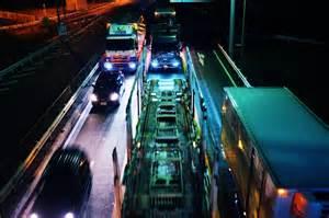トラック夜間