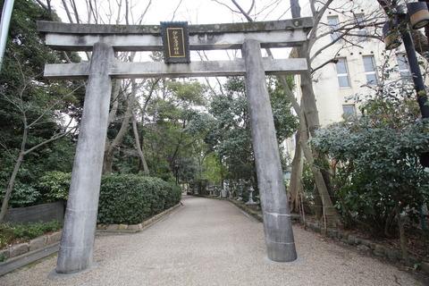 伊和居津神社1