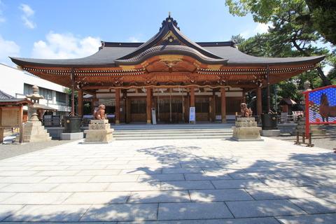 岸城神社の拝殿