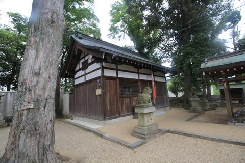 戒重春日神社の拝殿