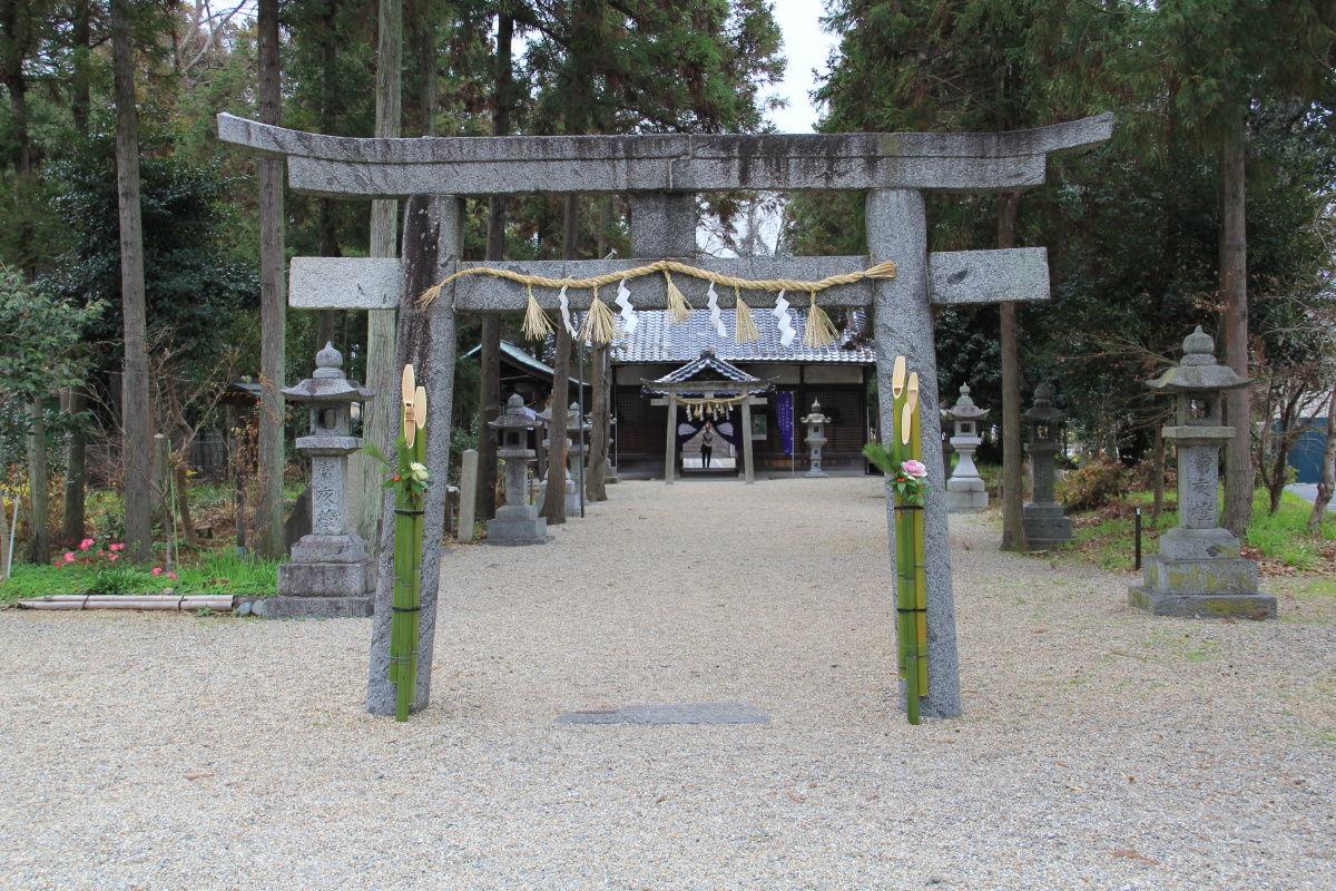 鏡作神社の参道④島の山古墳 ...